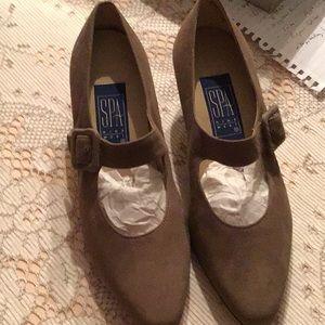 Women's 6.5 heels